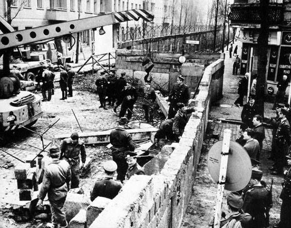 26. Construction of the Berlin Wall in 1961