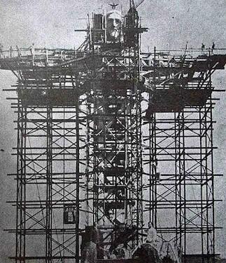 30. Construction of Christ the Redeemer in Rio da Janeiro, Brazil