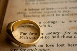 wedding-ring-390771_1920