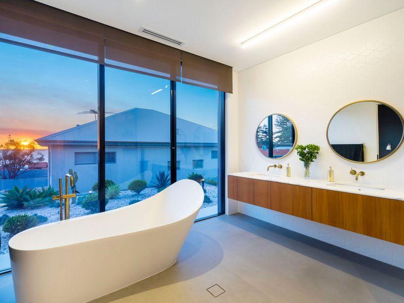 Malcolm St Bathroom