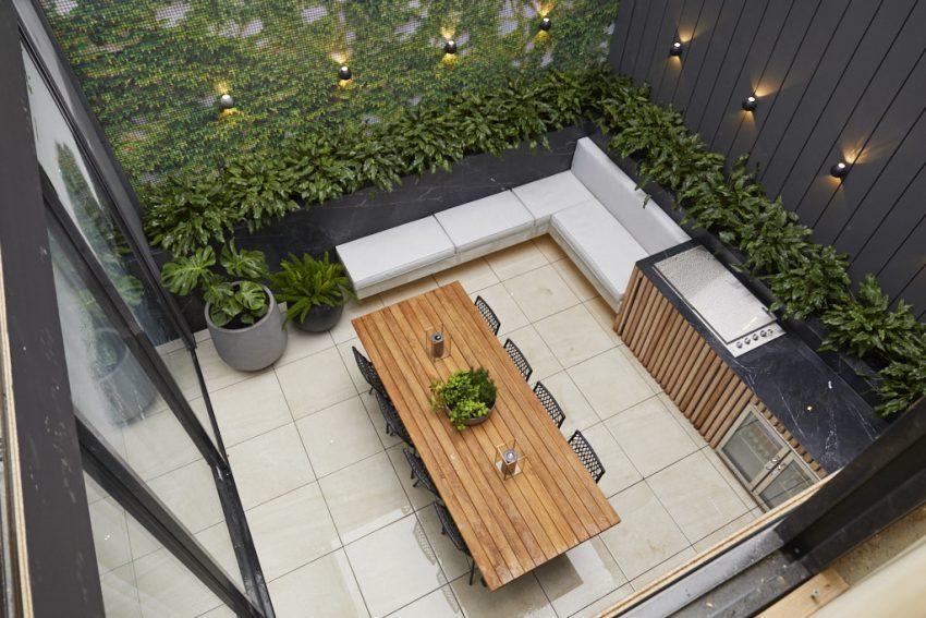 Wk9 Courtyard Jesse Mel 8 850x567
