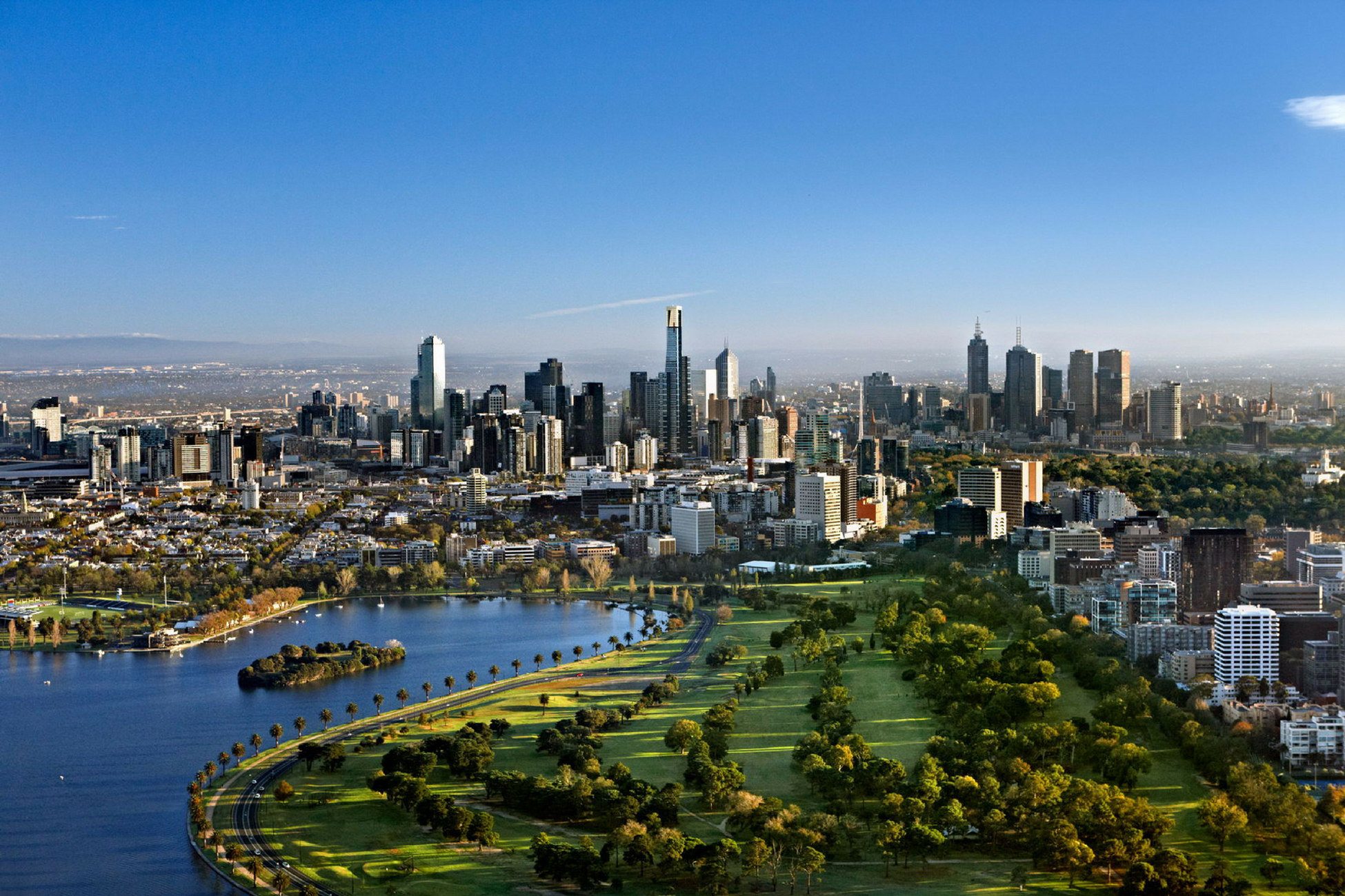 Which Melbourne suburbs have the largest price gap between houses and units?