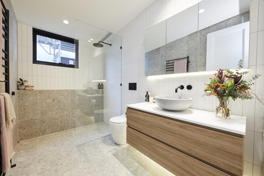 Rm5 Bedroom Bathroom Harry Tash 011