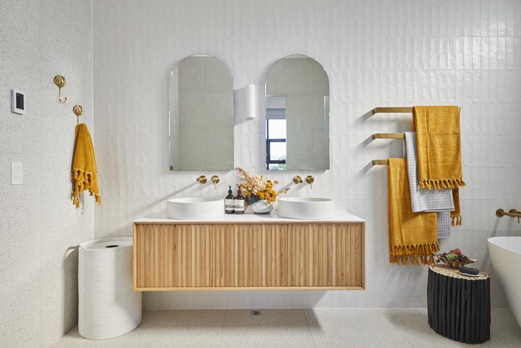 Rm5 Bedroom Bathroom Luke Jasmin 034